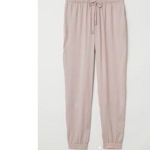 *$2/20* H&M Dusty Rose Jogger -Dress up or down!